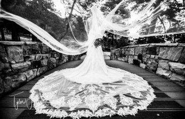 Wedding1 372x240
